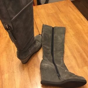 Knee high grey suede wedge boots